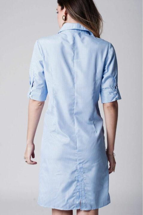 Blau-weiß gestreiftes Hemdkleid von Q2 - Rückenansicht