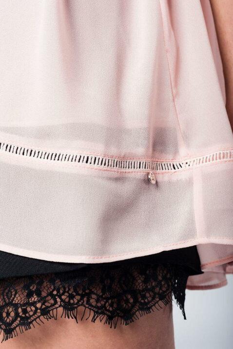 Rosa dünne Oversize Bluse mit gekreuzten Trägern am Rücken und 3/4 Ärmel von Q2 - Detailansicht