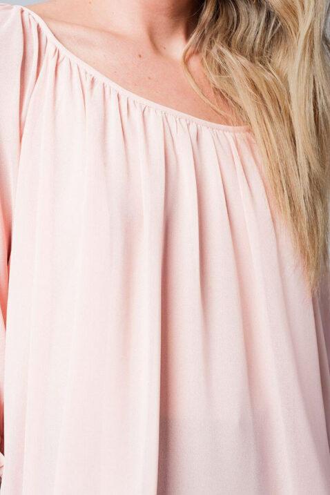 Rosa dünne Oversize Bluse mit schmalen Trägern im Rücken gekreuzt und 3/4 Ärmel von Q2 - Detailansicht