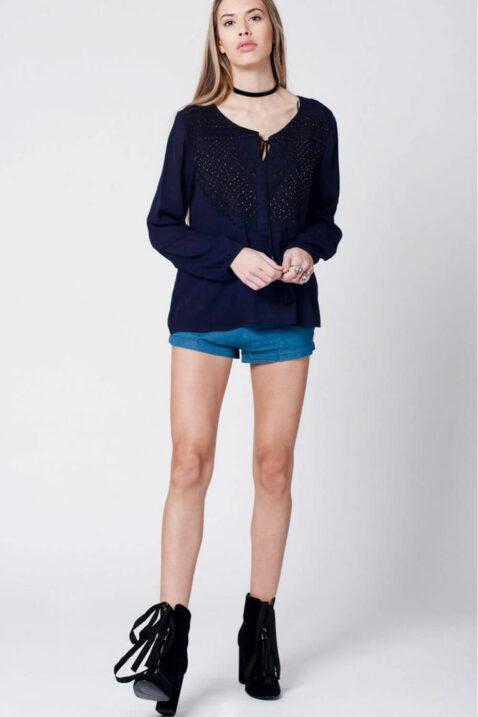 Marineblaue langarm Tunika-Bluse mit Stickerei und Quastbändern aus Viskose von Q2 - Ganzkörperansicht