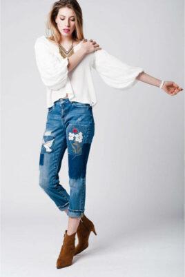Q2 Weiße Oversize Bluse mit Fledermausärmeln in übergroßer Passform – Ganzkörperansicht