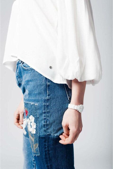 Weiße Oversize Bluse mit Fledermausärmeln in übergroßer Passform von Q2 - Seitenansicht