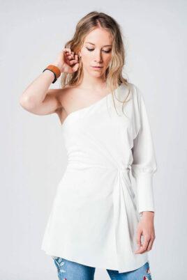Q2 Weißes One-Shoulder Minikleid im asymmetrischem Design – Vorderansicht