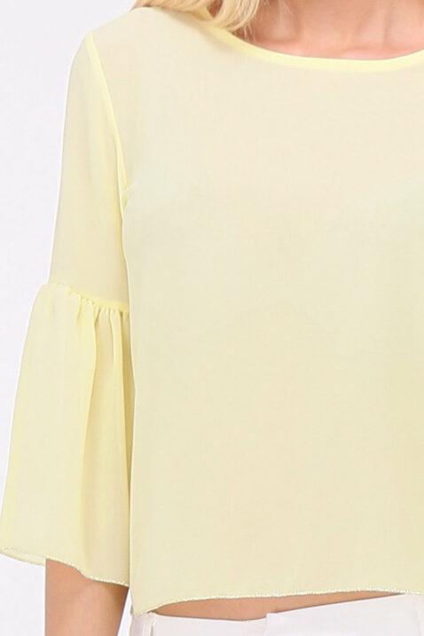 Gelbe Bluse mit Trompetenärmel und silbernen Verzierungen an Saum und Ärmelenden von Callisto - Detailansicht