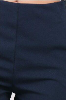 Blaue kurze Damen-Shorts mit Taschen von Callisto - Detailansicht