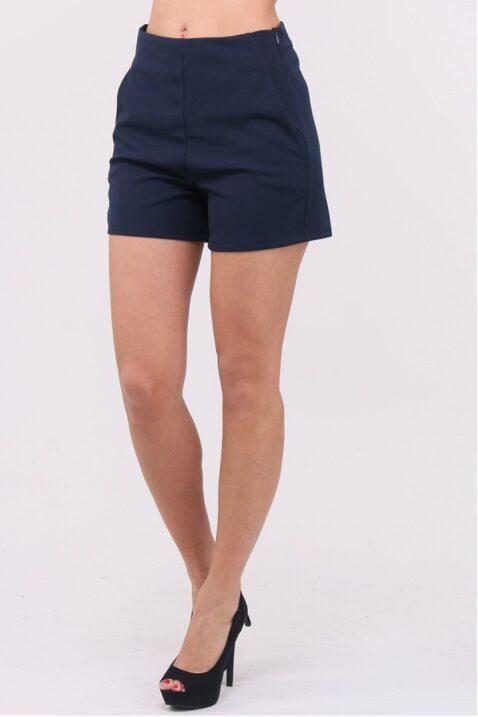Blaue kurze Damen-Shorts mit Taschen von Callisto - Vorderansicht
