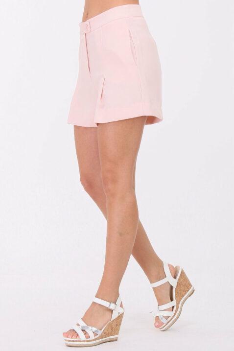 Rosa kurze Damen-Shorts mit Bundfalten von Callisto - Seitenansicht