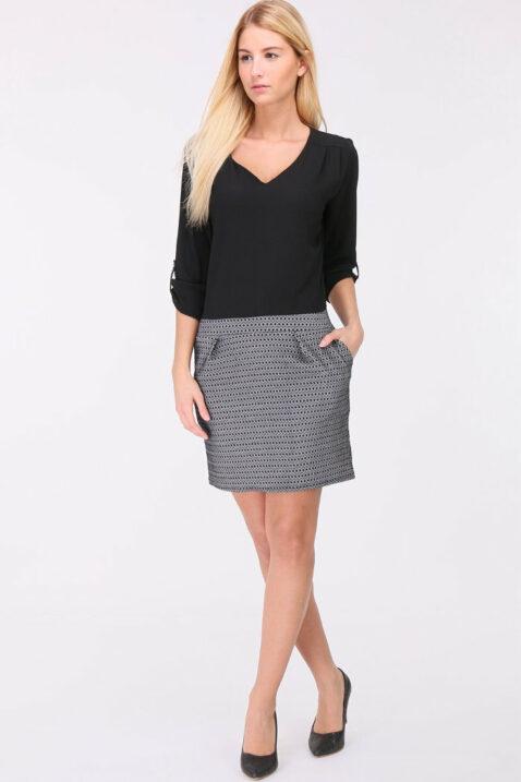Schwarzes 2-in-1 Kleid aus Bluse und Rock mit 3/4-Ärmel von REVD'ELLE PARIS - Ganzkörperansicht