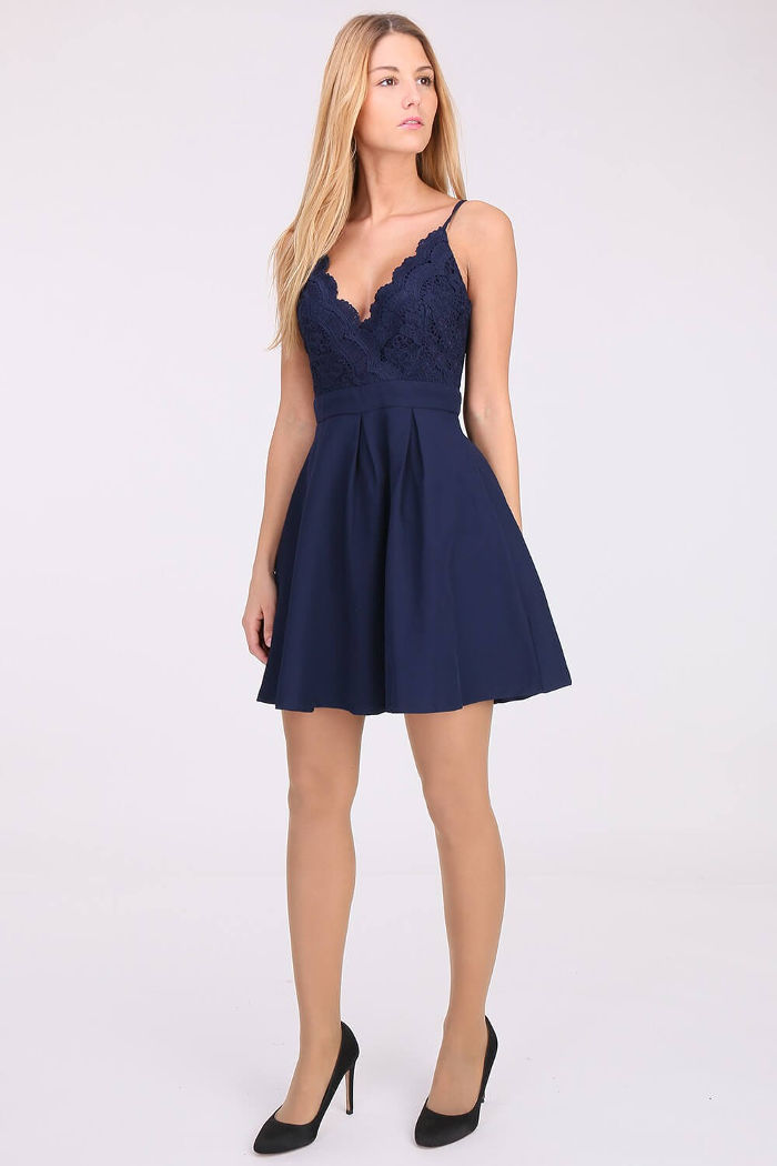 online store c03a4 4b56e LILY MCBEE Abendkleid mit Häkelspitze