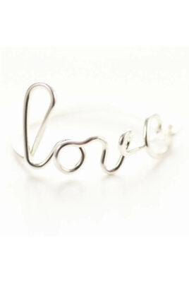 Silberner Ring LOVE von Mademoiselle Felee - Detailansicht