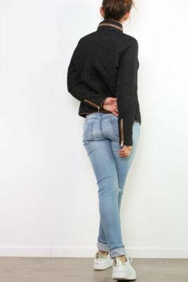 Schwarze Damen Steppjacke mit herausnehmbarer Kapuze - Übergangsjacke von Joy Mod - Rückenansicht