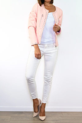 Laura JO rosa Damen Kunstlederjacke mit Nieten-Applikationen – Lederimitat – Ganzkörperansicht