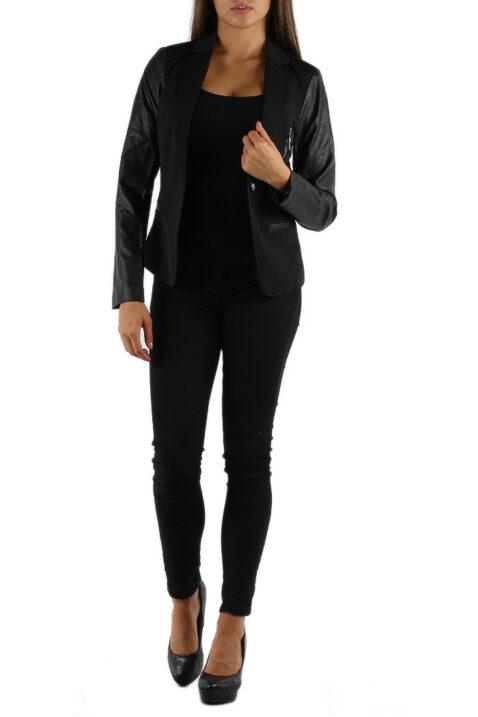 Schwarze Damen Blazerjacke mit Ärmel in Leder-Optik von M&G Monogram - Ganzkörperansicht