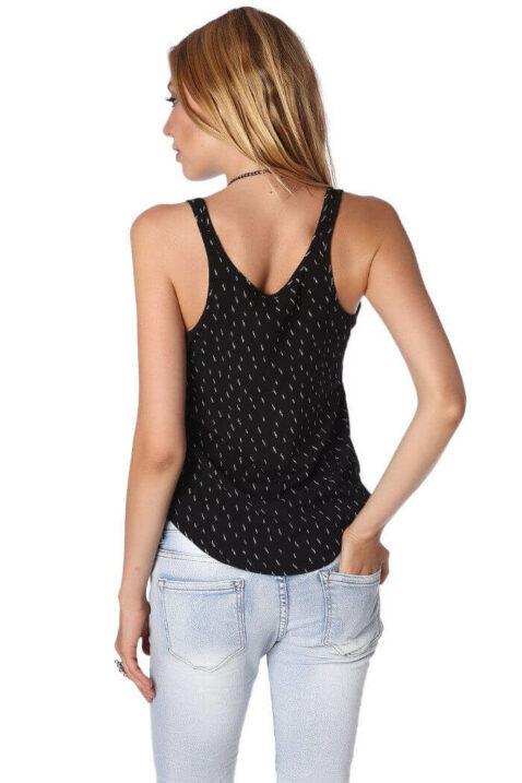 Schwarzes Damen Top gemustert mit abfallendem Saum von Q2 - Rückenansicht