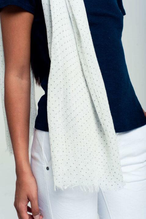 Leichter weißer Damen Schal mit grauen Punkten, Tupfen & Fransen Modeschal von Q2 - Detailansicht