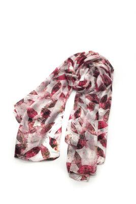 By Oceane bordeaux roter Damen Seidenschal mit Blätter-Print – florales Seidentuch – Ganzansicht