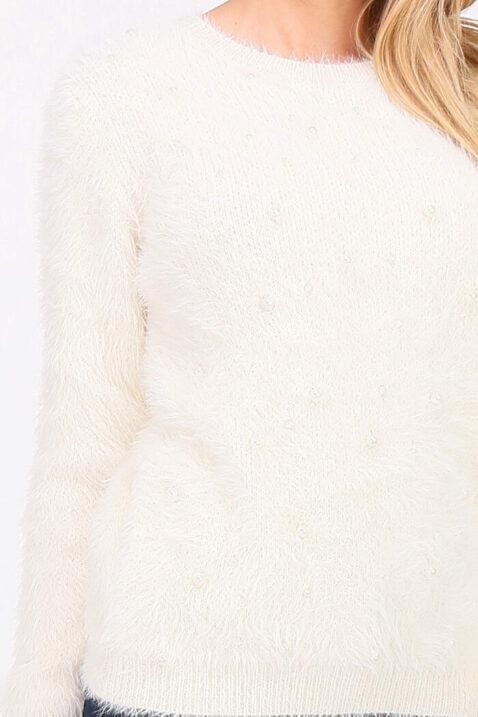 Beiger Damen Pullover in Fransenoptik & Perlen von Cherry Paris - Detailansicht