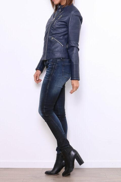 Marineblaue Damen Bikerjacke in Leder Optik - gesteppte PU-Kunstlederjacke & Lederimitat von Fascinate - Seitenansicht