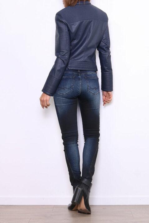 Marineblaue Damen Bikerjacke in Leder Optik - gesteppte PU-Kunstlederjacke & Lederimitat von Fascinate - Rückenansicht