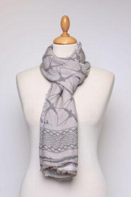 Taupe brauner Damen Schal gefranst & gemustert aus Viskose von Fanli - Ganzansicht