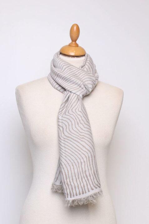 Beiger taupe Damen Schal mit Wellenmuster & Fransen aus Viskose von Fanli - Ganzansicht