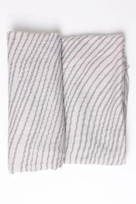Anthrazit grauer Damen Schal mit Wellenmuster & Fransen aus Viskose von Fanli - Detailansicht