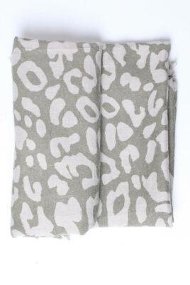 Khaki grau grüner Damen Schal mit Mustern & Fransen aus Viskose von Fanli - Detailansicht