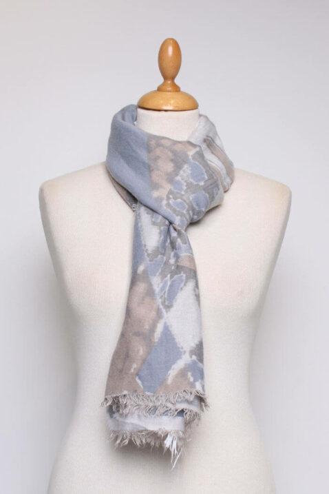 Mehrfarbiger Damen Schal mit Muster & Fransen aus Viskose von Fanli - Ganzansicht