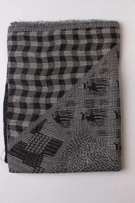 Schwarzer Damen Schal mit Muster & Fransen aus Viskose von Fanli - Detailansicht