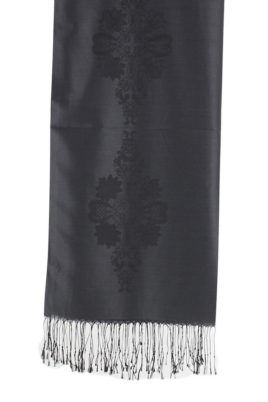 Schwarzer Damen Schal mit Muster & Fransen von Fanli - Detailansicht