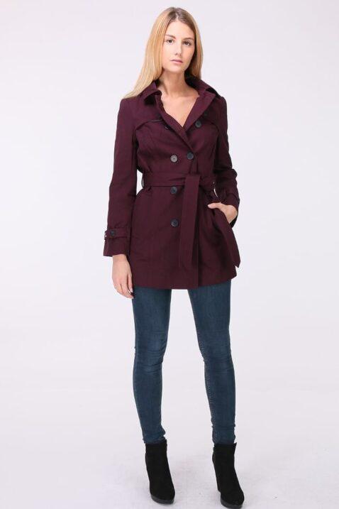 Bordeaux roter Damen Trenchcoat mit Bindegürtel - Mantel von LuluCastagnette - Ganzkörperansicht