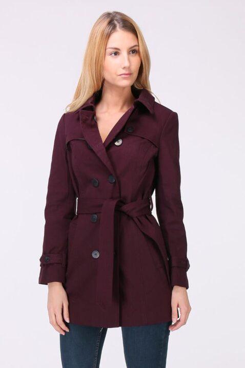 Bordeaux roter Damen Trenchcoat mit Bindegürtel - Mantel von LuluCastagnette - Vorderansicht