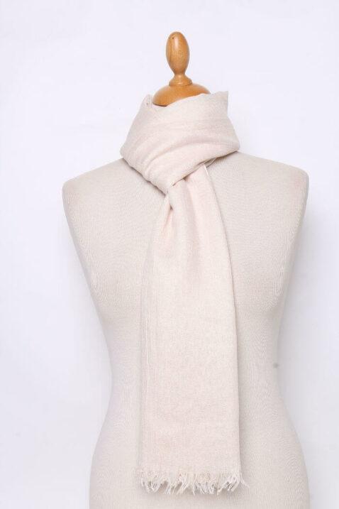 Beiger heller Damen Schal unifarben - Modeschal von Lil Moon - Ganzansicht
