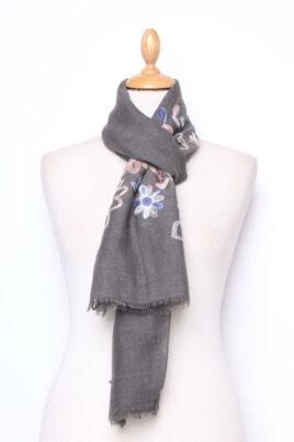 Lil Moon dunkelgrauer Damen Schal mit Blumenmuster – Modeschal aus Viskose – Ganzansicht