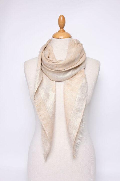 Goldener Damen Schal in leichter Glanzoptik asymmetrisch - Modeschal von Lil Moon - Ganzansicht