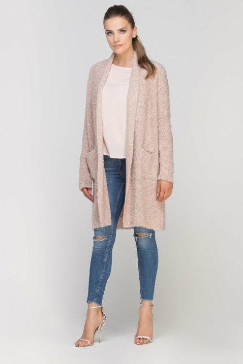 Rosa Damen Longcardigan mit Taschen - Strickjacke lang von Lanti - Ganzkörperansicht