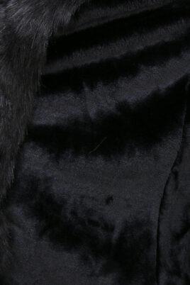 Khaki brauner Damen Winterparka mit Kapuze & schwarzem Kunstfellbesatz - gefütterte Winterjacke von Orcelly - Detailansicht