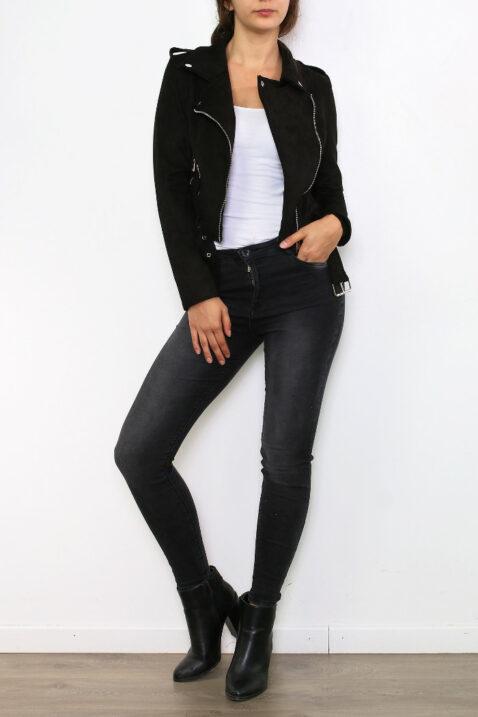 schwarze Damen Jacke im Biker-Stil - kurze Lederimitat Bikerjacke mit Gürtel von Osley Paris - Ganzkörperansicht