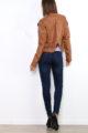 Hellbraune Damen Kunstlederjacke mit Reißverschluss-Details - kurze Lederimitat Bikerjacke von Osley Paris - Rückenansicht