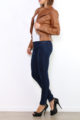 Hellbraune Damen Kunstlederjacke mit Reißverschluss-Details - kurze Lederimitat Bikerjacke von Osley Paris - Seitenansicht