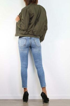 Khaki grüne Damen Blousonjacke in modischer Bomberform - Bomberjacke von Realty - Rückenansicht