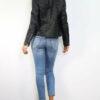 Schwarze Kunstlederjacke mit abnehmbaren weißebn Kunstfellkragen - PU-Leder, Bikerjacke von Realty - Rückenansicht