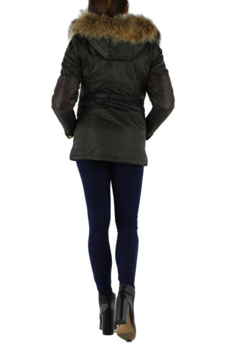 Khaki grüne warme Damen Winterjacke mit Kapuze & abnehmbaren Kunstfellkragen - Kapuzenjackevon Toxik3 - Rückenansicht