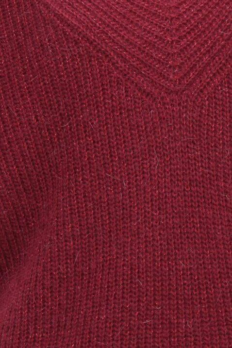 Bordeaux roter Damen Pullover mit weitem V-Ausschnitt von Kilky - Detailansicht