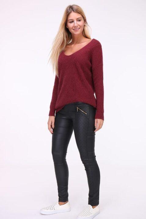 Bordeaux roter Damen Pullover mit weitem V-Ausschnitt von Kilky - Ganzkörperansicht