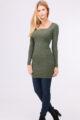 Khaki grünes leichtes Damen Feinstrick-Kleid - Pulloverkleid von QUEEN´S - Ganzkörperansicht