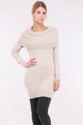 Whoo beiges Damen Pulloverkleid mit Carmenkragen – Sweatkleid & Strickkleid – Vorderansicht
