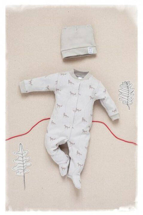 Beiger Baby Jungen Schlafoverall mit Füßen & Füchsen - Schlafanzug & Strampelanzug Tier Overall einteilig von Pinokio - Inspiration Lookbook