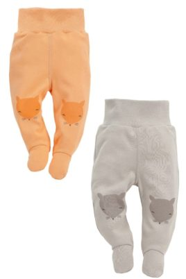 Pinokio Set beige & orangene Baby Strampelhosen mit Füßen & Fuchs Motive – Jungen & Mädchen Schlafhosen & Tier Babyhosen Strampler unisex – Vorderansicht