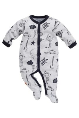 Pinokio grauer Baby Schlafoverall mit Füßen & Schul Motiven für Jungen – Schlafanzug & Strampelanzug Overall einteilig mit Autos, Fahrräder, Stifte, Blitze – Vorderansicht